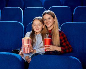 ir al cine juntos